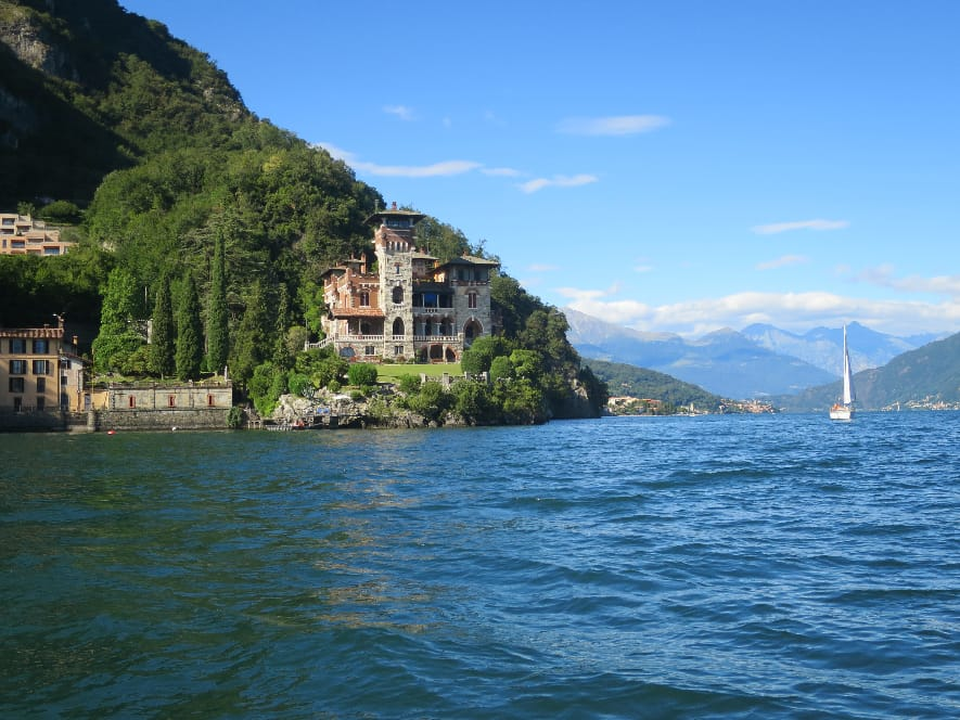 Boat trip in Lake Como